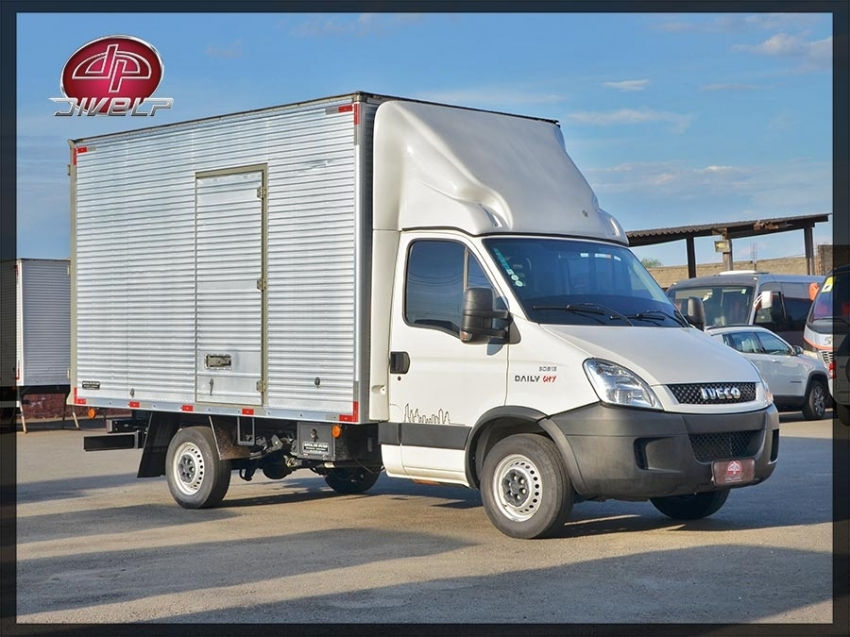 Seminovos certificados IVECO DAILY 2.3  HPI DIESEL 30S13 CHASSI MANUAL